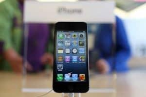 iphone-5-apple-store-20121213125044