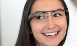 Google-Glass-Girl-Model-Wallpaper