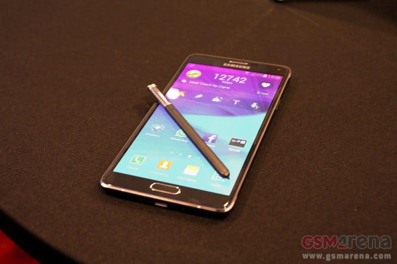 586ca20e589de A Samsung é das primeiras fabricantes a fazer a apresentar as novidades,  com o grande destaque a ser o Galaxy Note 4, mas com novidades, como o  Galaxy Note ...