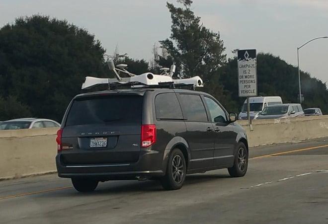 carro da apple com câmaras