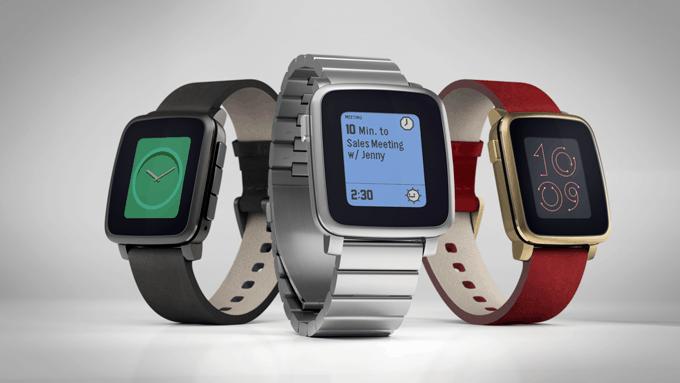 Fabricantes de relógios e roupas inteligentes podem se unir