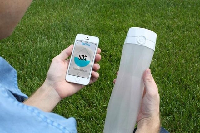 hidrateme-smart-water-bottle-kickstarter-campaign-640x427-c