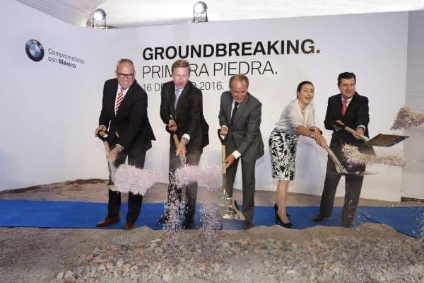 BMW lança primeira pedra de unidade de produção no México