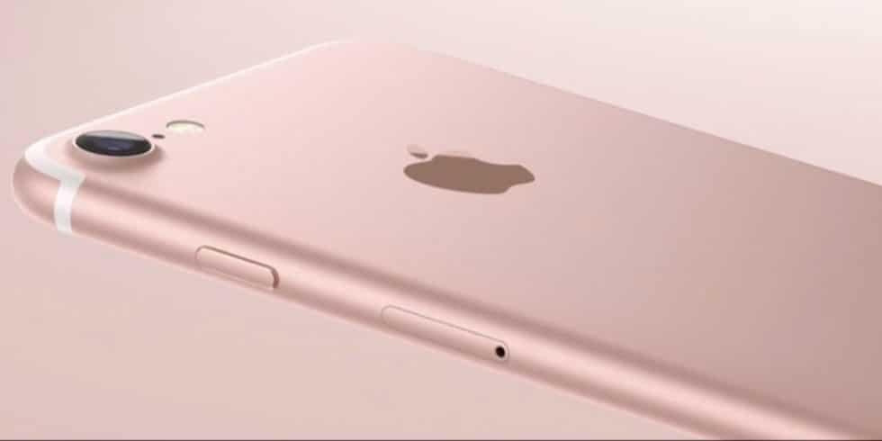 Apple vai substituir baterias de iPhones com desconto