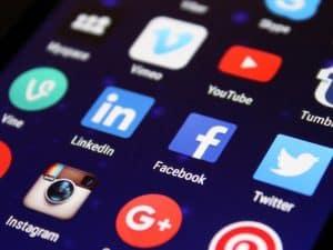 Quer saber quais as aplicações com mais downloads de sempre? Facebook lidera