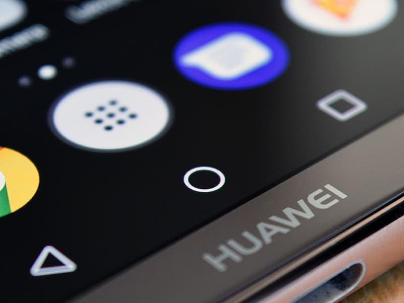 Telemóveis Huawei e ZTE podem ser usados para espionagem