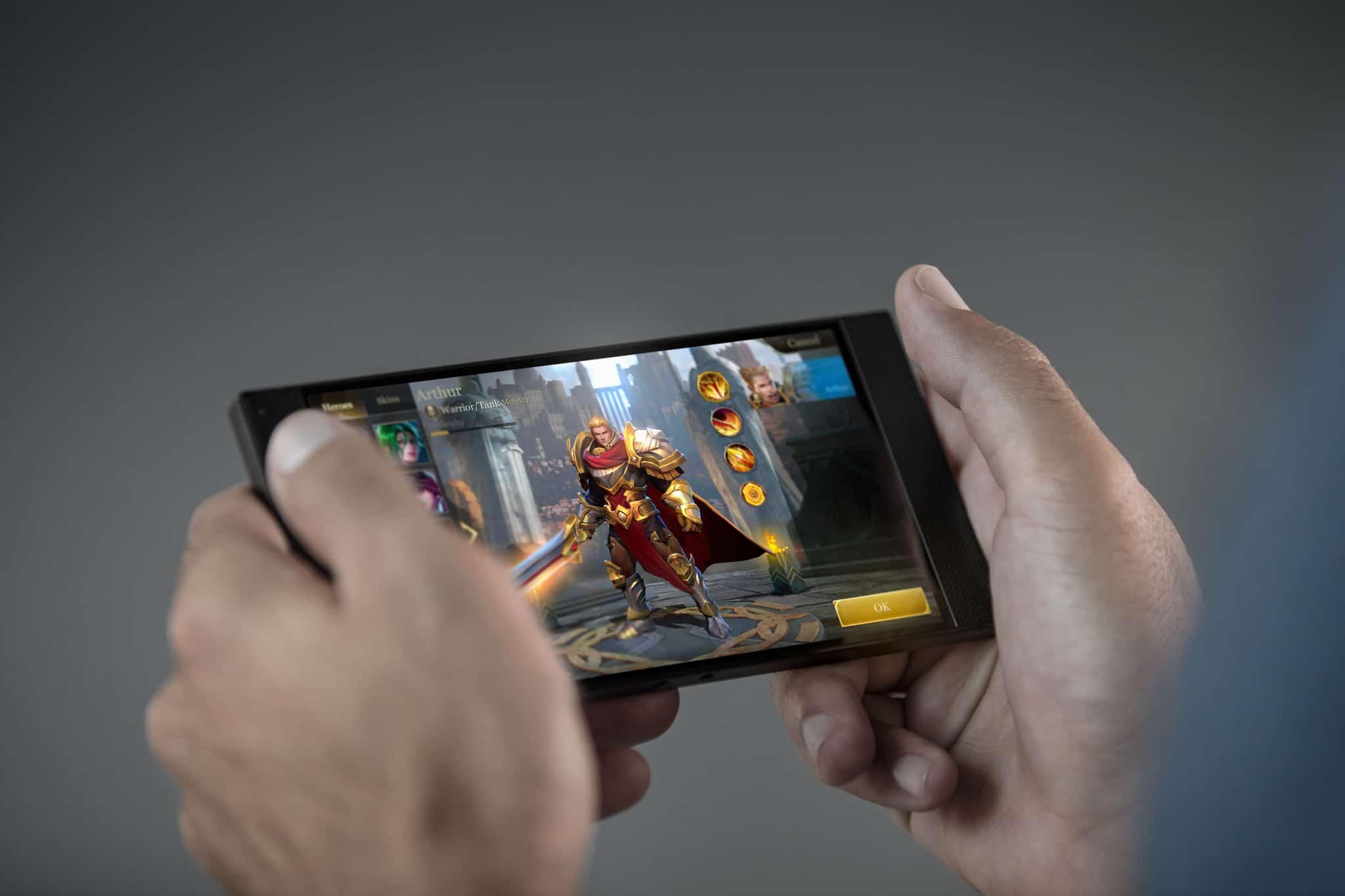 Razer phone inaugura novo modo de carregamento superrpido os fabricantes de telemveis e processadores para equipamentos portteis tm desenvolvido um conjunto muito vasto de solues de recarregamento cada vez stopboris Choice Image