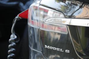 Alemanha falha o seu objectivo de ter 1 milhão de carros elétricos até 2020