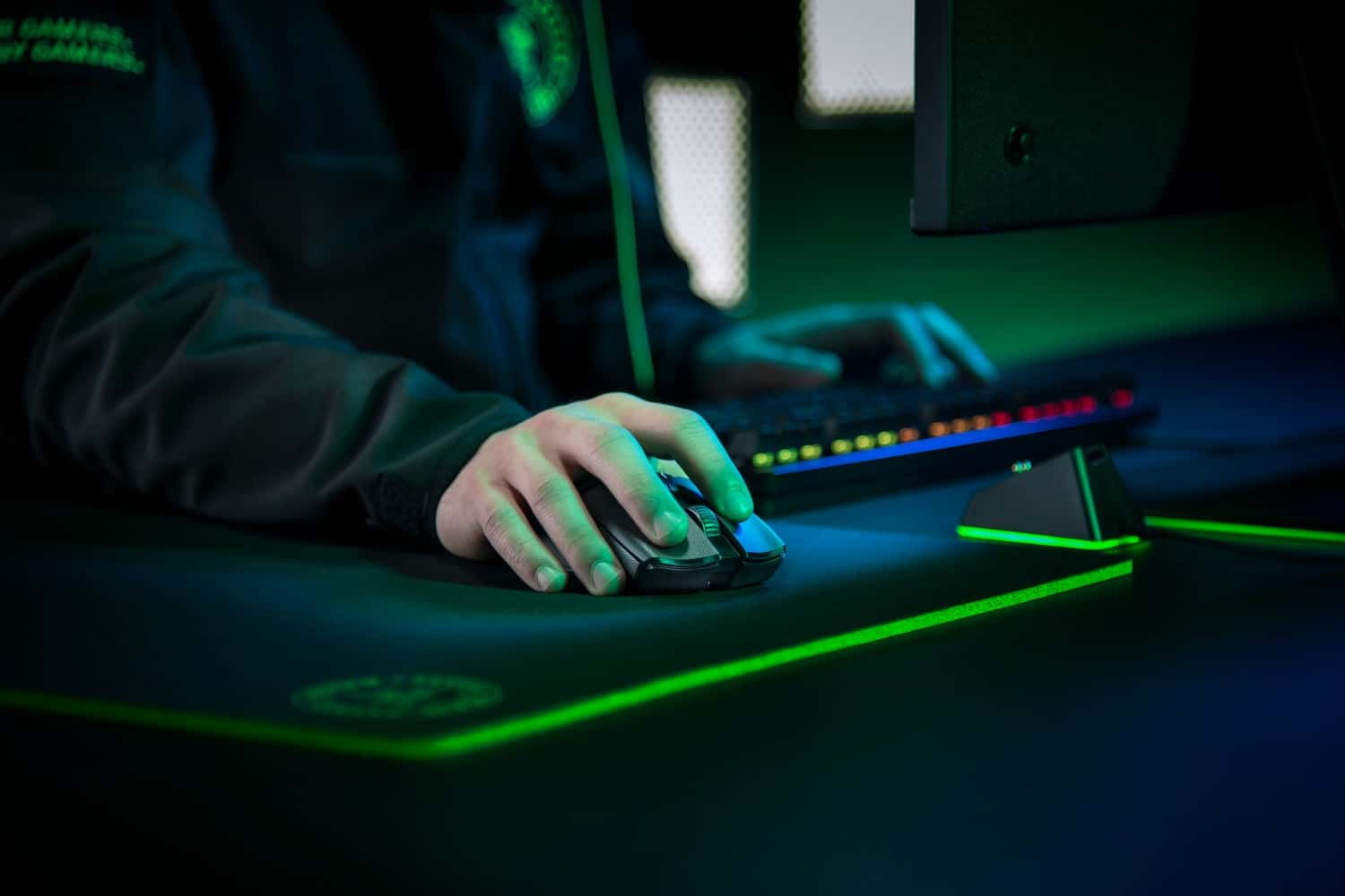 Razer Announces New Wireless Mouse for eSports: Razer Viper Ultimate